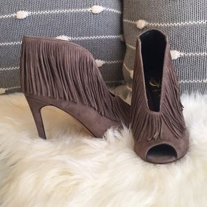 Vince Camuto  Signature Yvonne Booties